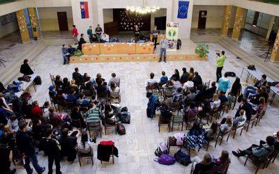 V Dubnici žiaci počas prázdnin debatovali o minimálnej mzde