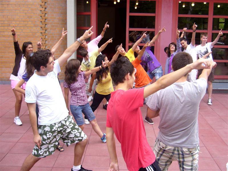 InformácieAkú rolu hrajú mládežnícke organizácie v živote mladých ľudí?