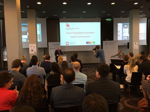 InformáciePoľské predsedníctvo skupiny V4 mobilizuje mládež pre ľudské práva  online