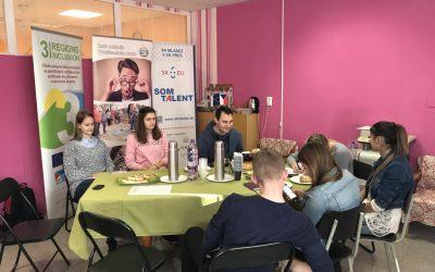 Stretnutie pracovného tímu v rámci projektu Komunity / zisťovanie potrieb mládeže v meste Považská Bystrica
