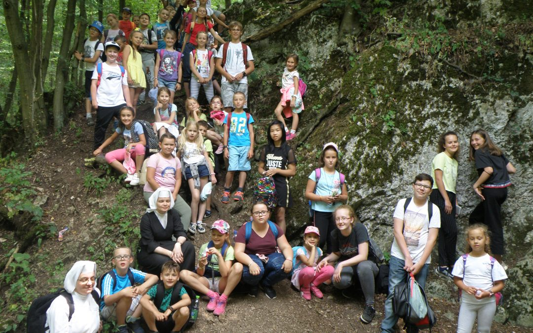 InformácieNODAM a Školské sestry de Notre Dame zorganizovali tábory pre viac ako 600 detí