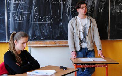 Mali by školy rozhodovať o špeciálnych triedach pre rómskych žiakov?