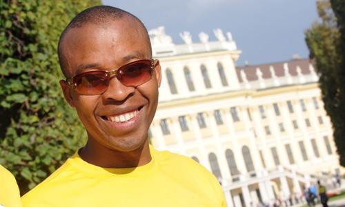 InformácieMaratón mieru s Henrym Wanyoike