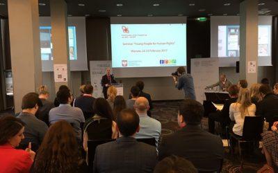 Poľské predsedníctvo skupiny V4 mobilizuje mládež pre ľudské práva  online